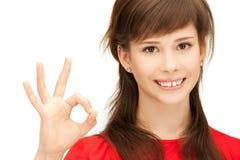 Adolescente precioso que muestra la muestra aceptable Foto de archivo