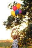 Adolescente puesta a contraluz artístico Foto de archivo libre de regalías