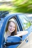 Adolescente que aprende conducir Imágenes de archivo libres de regalías