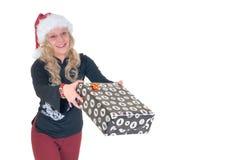 Adolescente que da el presente de Navidad Imagenes de archivo