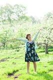 Adolescente que disfruta de la primavera Imagen de archivo libre de regalías