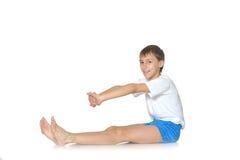 Adolescente que ejercita yoga Fotos de archivo