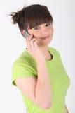 Adolescente que habla en su teléfono Fotos de archivo