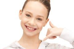 Adolescente que me hace una llamada gesto Fotos de archivo libres de regalías