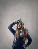 Adolescente que mira el cielo Fotos de archivo
