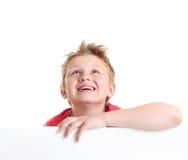 Adolescente que mira para arriba. Imágenes de archivo libres de regalías