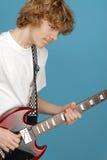 Adolescente que oscila hacia fuera Foto de archivo