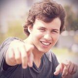Adolescente que señala a usted Foto de archivo libre de regalías