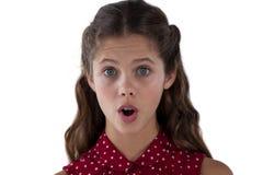 Adolescente que se opone al fondo blanco Fotos de archivo libres de regalías