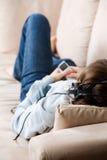 Adolescente que se relaja Fotografía de archivo