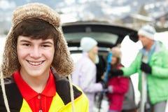 Adolescente que sonríe en la cámara Imagen de archivo
