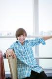 adolescente que va con un transbordador Fotografía de archivo libre de regalías