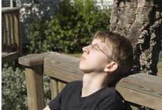 Adolescente Relaxed al aire libre Fotografía de archivo