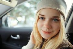 Adolescente rubio joven hermoso Imágenes de archivo libres de regalías