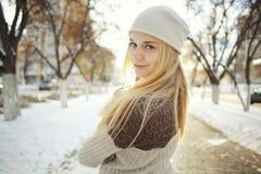 Adolescente rubio joven hermoso Fotos de archivo libres de regalías
