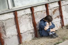 Adolescente solamente en la ciudad Fotografía de archivo