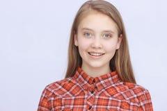 Adolescente sonriente Fotografía de archivo libre de regalías
