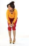 Adolescente sonriente con la botella de agua Foto de archivo libre de regalías