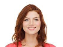 Adolescente sonriente en ropa casual Imagen de archivo libre de regalías