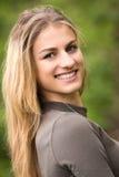 Adolescente sonriente hermoso Imágenes de archivo libres de regalías