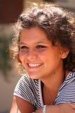adolescente sorridente felice Fotografie Stock Libere da Diritti