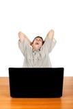 Adolescente stanco con il computer portatile Fotografia Stock Libera da Diritti