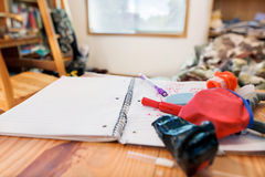 Adolescente sucio del dormitorio Imágenes de archivo libres de regalías
