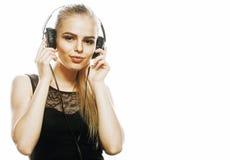 Adolescente talentoso dulce joven en el canto de los auriculares aislado Imagenes de archivo