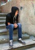 Adolescente triste al aire libre Imagenes de archivo