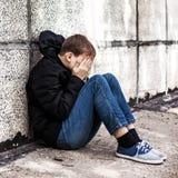 Adolescente triste al aire libre Imagen de archivo
