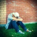 Adolescente triste al aire libre Imágenes de archivo libres de regalías