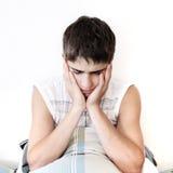 Adolescente triste a casa Fotografia Stock Libera da Diritti