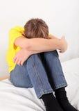 Adolescente triste en casa Fotografía de archivo libre de regalías