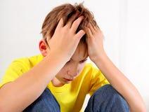 Adolescente triste en casa Fotos de archivo libres de regalías