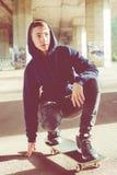 Adolescente urbano del patinador Foto de archivo libre de regalías