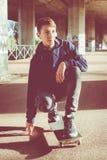 Adolescente urbano del patinador Foto de archivo