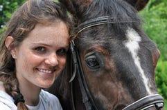 Adolescente y caballo Fotos de archivo