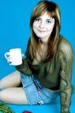 Adolescente y café Foto de archivo libre de regalías