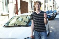Adolescente y nuevo conductor Fotografía de archivo libre de regalías