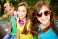 Adolescentes alegres fotos de stock royalty free