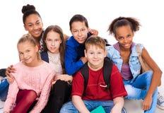 Adolescentes con diversa tez junto Fotografía de archivo libre de regalías