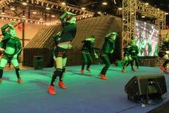 Adolescentes da dança na fase Fotos de Stock Royalty Free