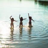 Adolescentes dans des maillots de bain Images stock