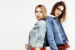 Adolescentes de los mejores amigos junto que se divierten, presentación emocional Fotografía de archivo