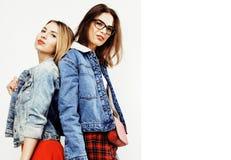Adolescentes de meilleurs amis ayant ensemble l'amusement, pose émotive Photo stock
