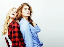 Adolescentes de meilleurs amis ayant ensemble l'amusement, pose émotive Image stock