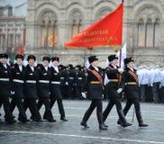 Adolescentes del colegio de internos del cuerpo del cadete de Moscú para las muchachas del Ministerio de Defensa de la Federación Foto de archivo libre de regalías