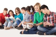 Adolescentes despreocupados. Imagenes de archivo