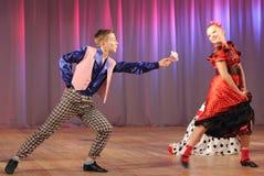 Adolescentes dinámicos del baile Imagen de archivo