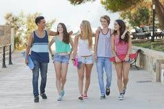 Adolescentes em Majorca ou em Mallorca Fotografia de Stock Royalty Free